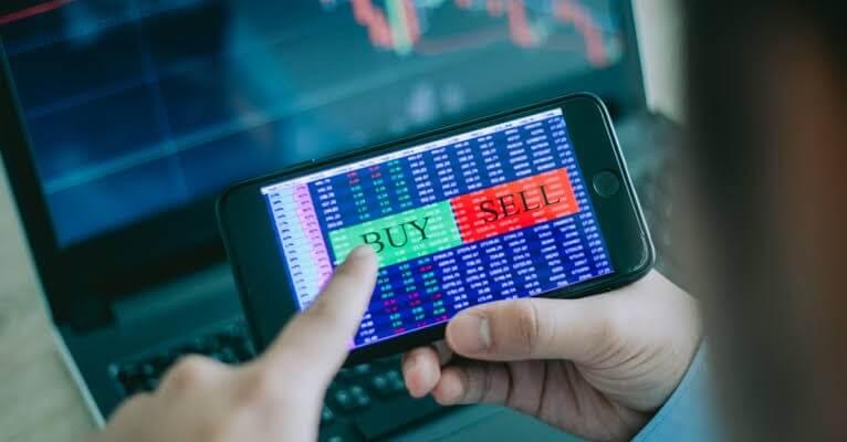 Mempelajari Simulasi Trading Online melalui Android